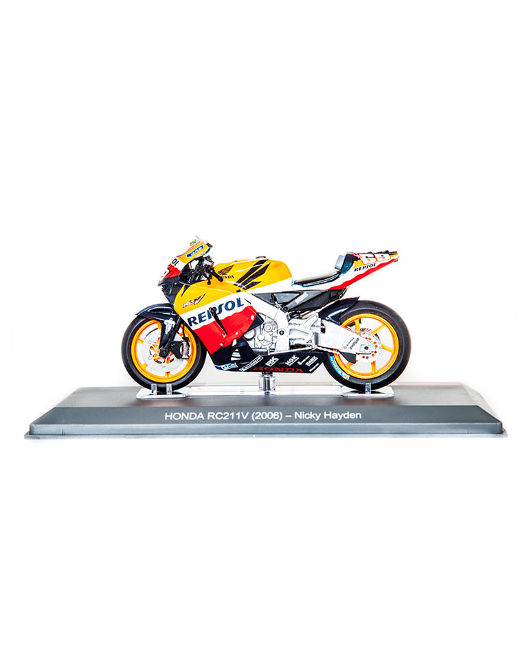 Nicky Hayden 2006 • Honda RC211V + fascículo 11