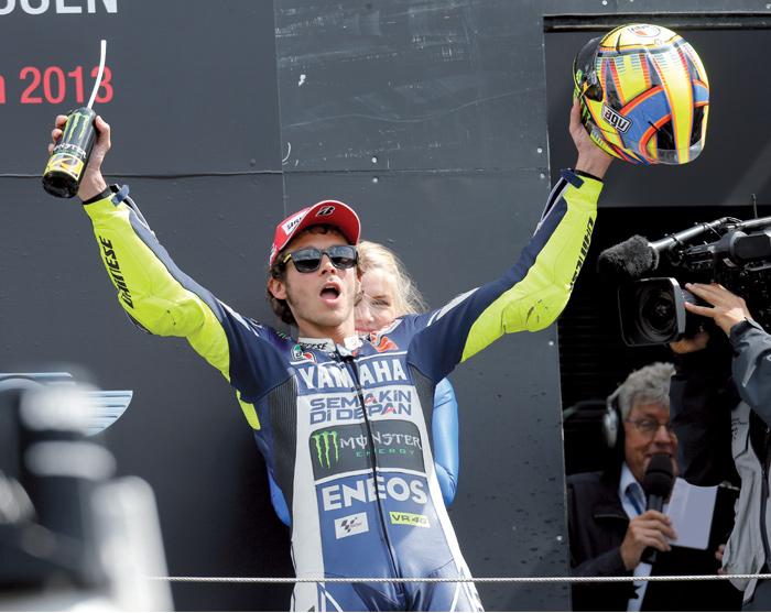 ¡El campeón y sus motos ya no tendrán secretos para ti!
